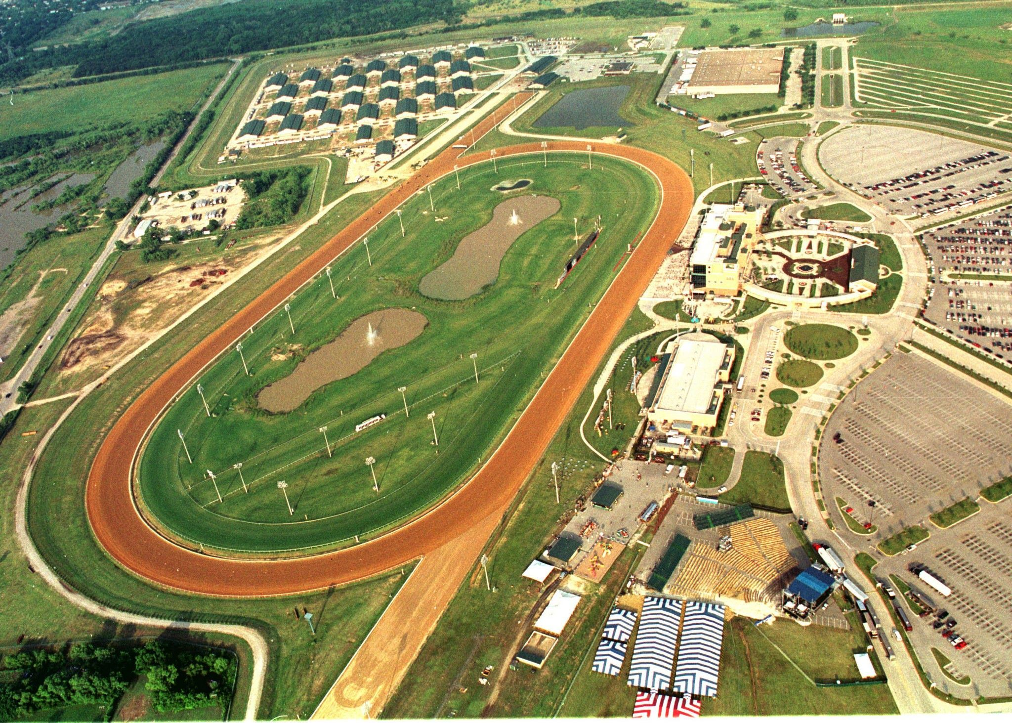 Lone star park in grand prairie tx lone star park at for Lone star motors fort worth tx