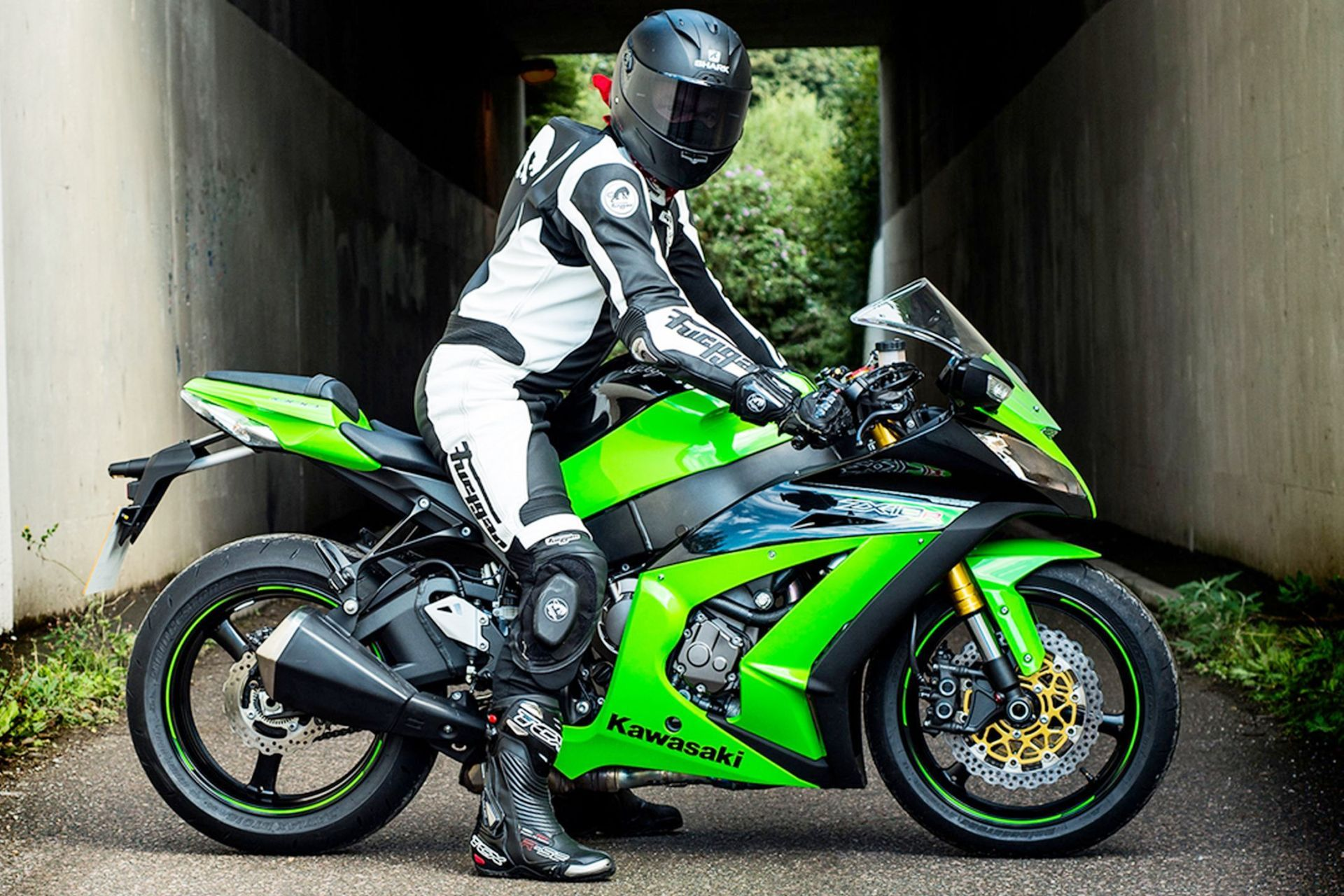 2015 kawasaki ninja zx 10r wide wallpaper motorcycles hd wallpaper pinterest kawasaki. Black Bedroom Furniture Sets. Home Design Ideas
