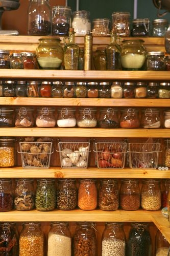 I want an herb and spice pantry like this! Tidy up Pinterest - drahtkörbe für küchenschränke