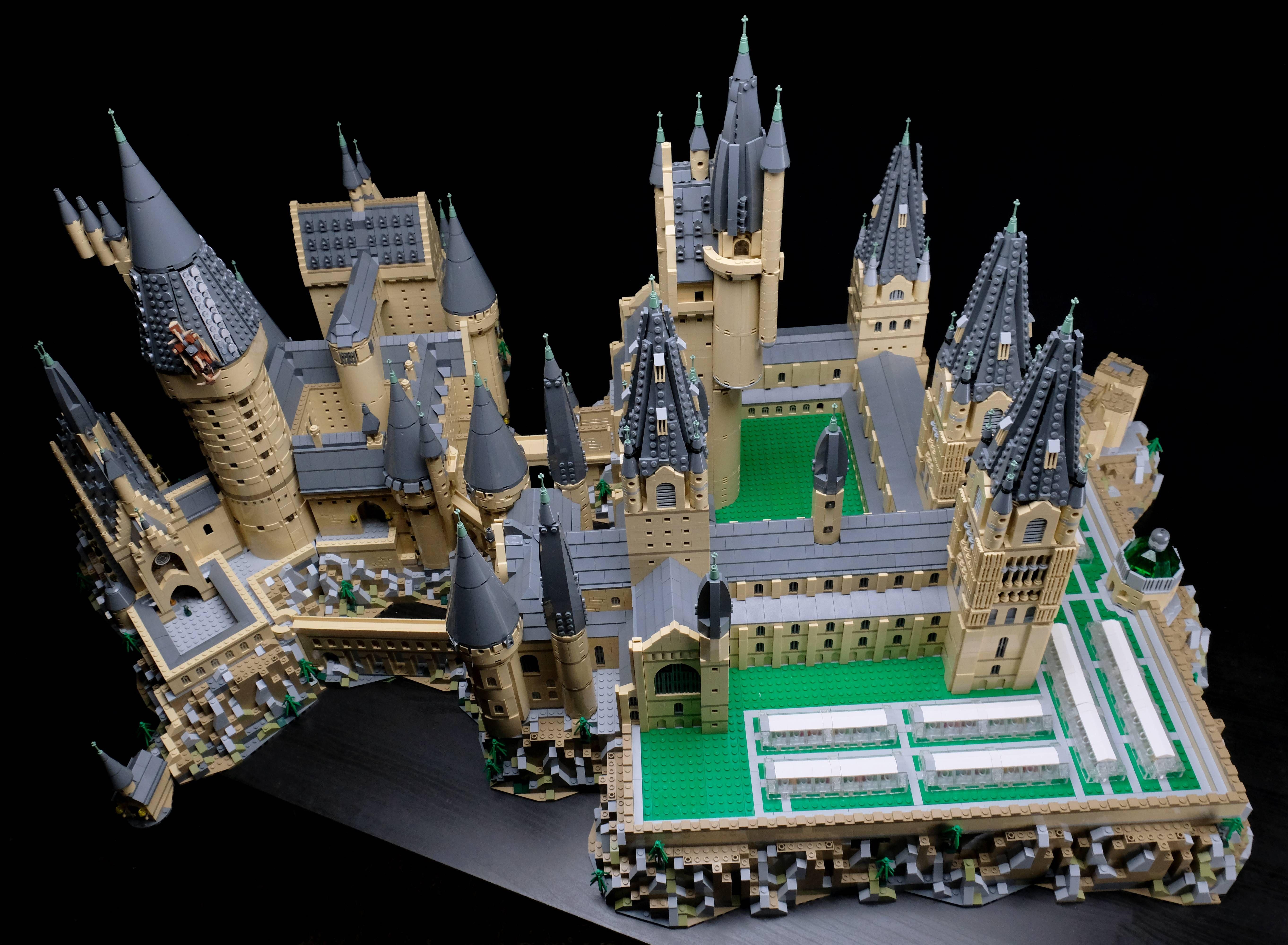 Brickfinder Upsize Your Lego Hogwarts Castle 71043 With This Amazing Fan Mod Lego Hogwarts Hogwarts Minecraft Lego Harry Potter