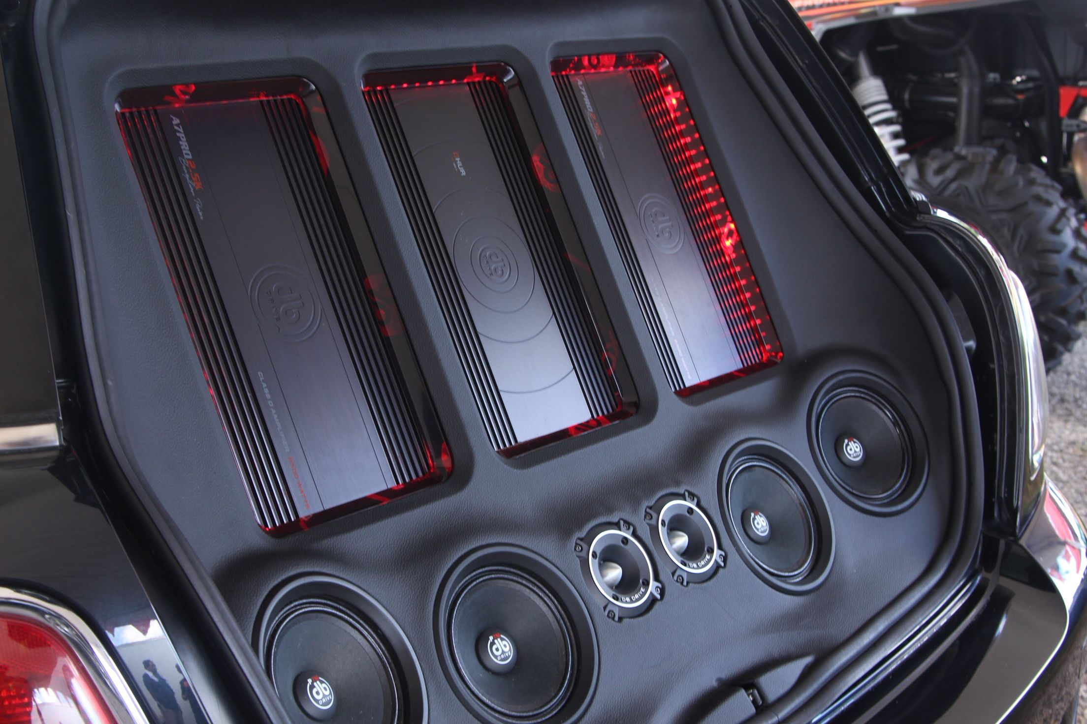 Mini Cooper Car audio installation with DB Drive A7PRO 2.5K ...