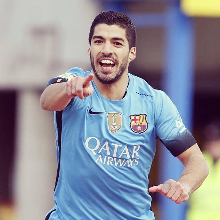 """""""Luis Suárez leads Golden Shoe chase  Luis Suárez ja és el líder de la Bota d'Or  Luis Suárez ya es el líder de la Bota de Oro #Suarez #FCBarcelona…"""""""