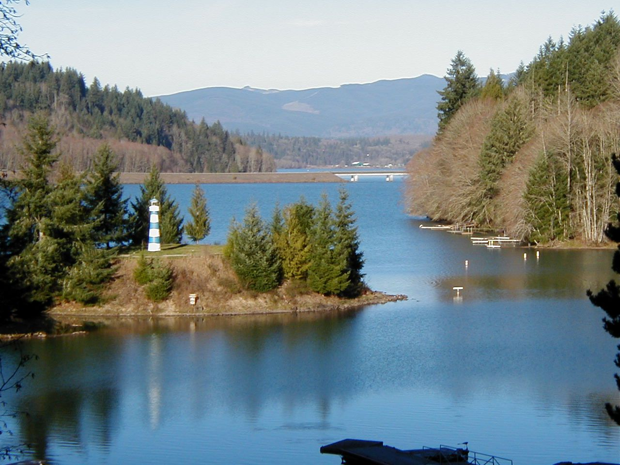 Lake Mayfield Resort and Marina between Portland