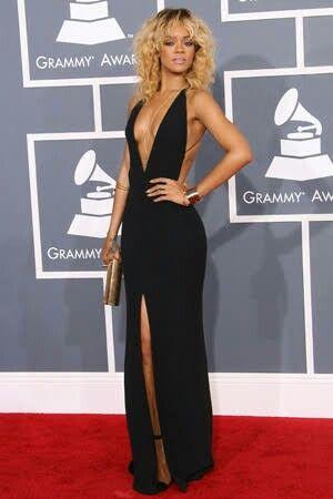Rihanna en GRAMMY Awards 2012 | Grammy fashion, Fashion ...