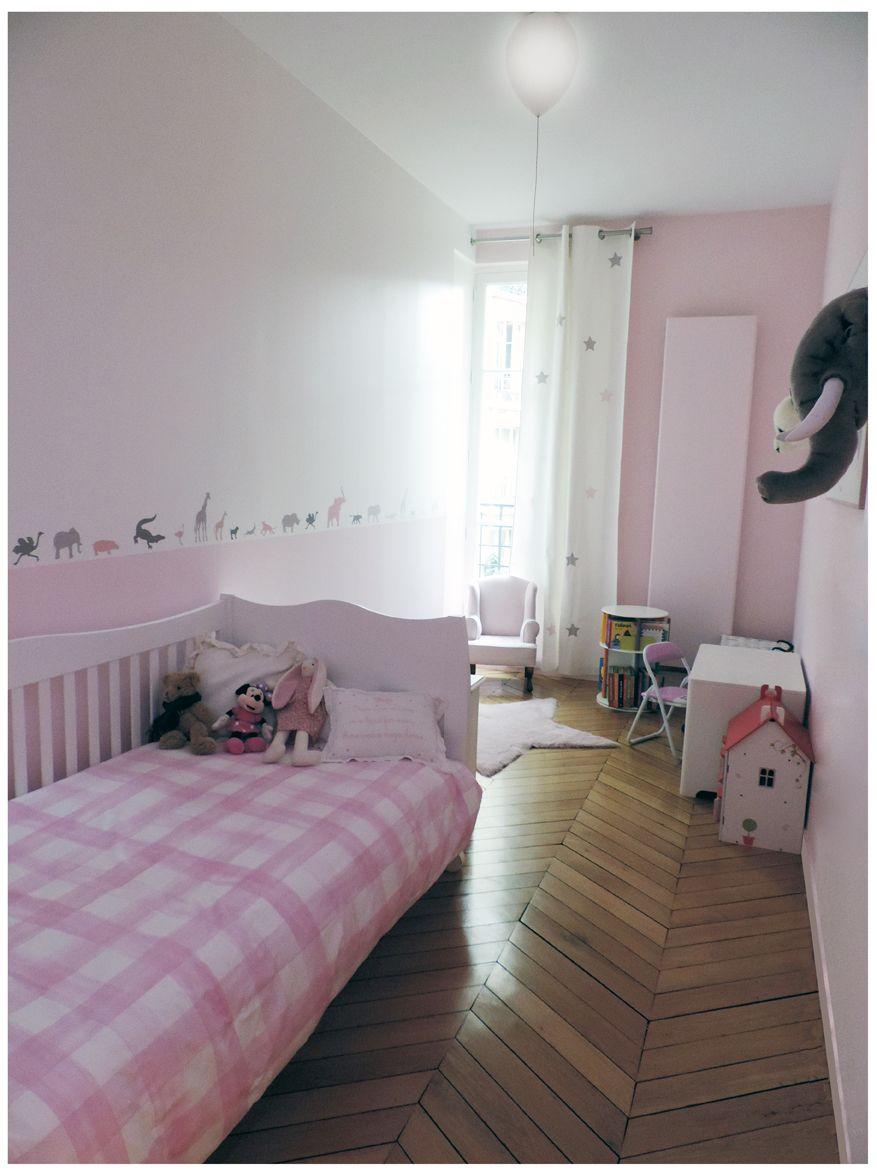 chambre en longueur, chambre petite fille, chambre rose ...