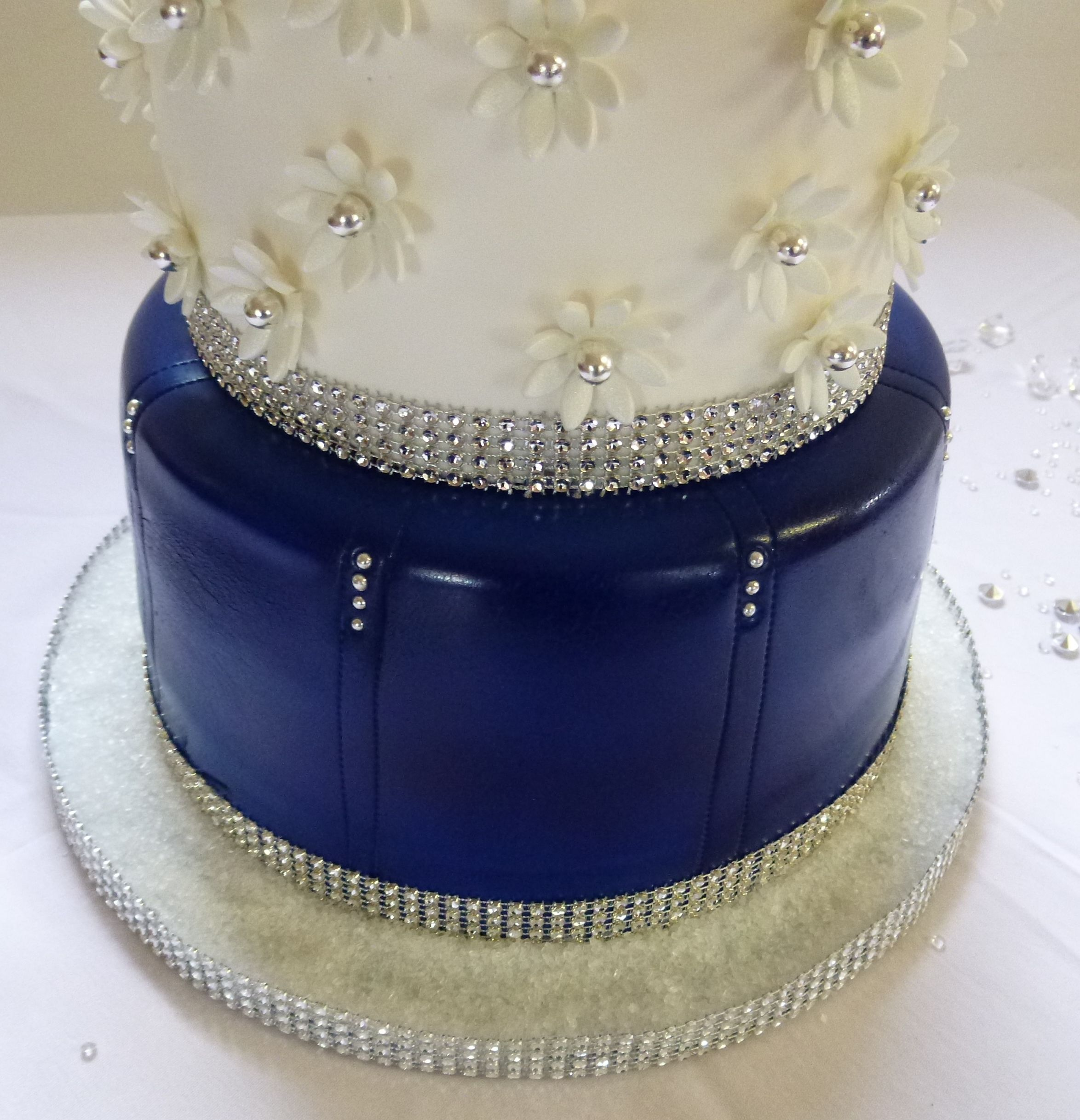 Denim And Diamonds Cake cakepins