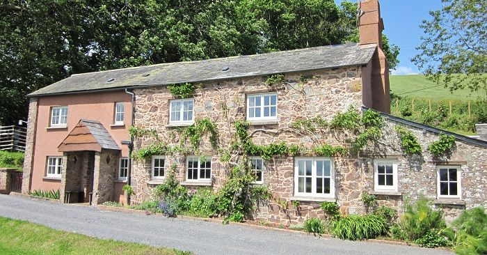 Fursdon Cottage sleeps 5 people and you can bring your dog too!