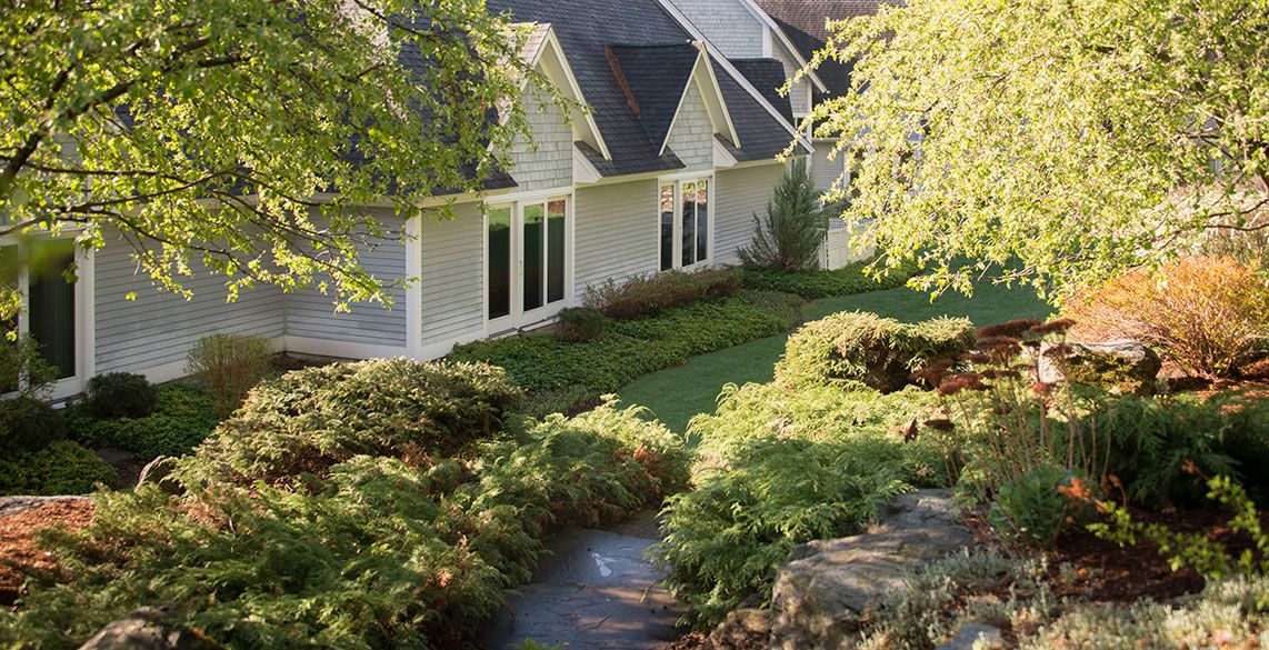 Stone Hill Inn, 1 rated B&B in Stowe, VT. Bed and