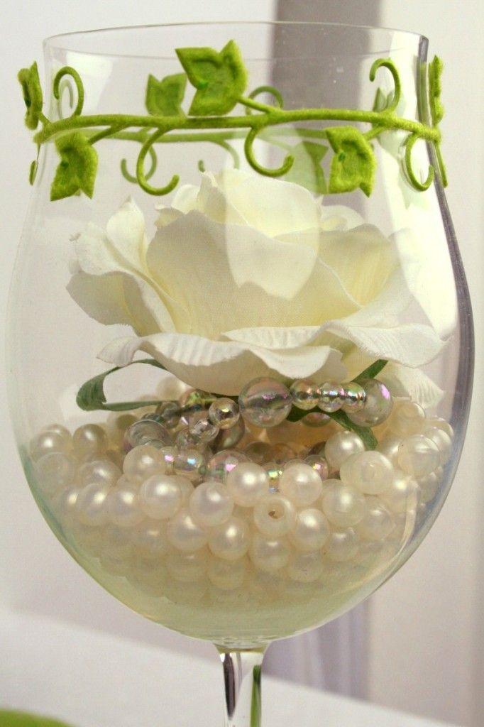 Tischdeko Glas Mit Perlen Und Rose Gefullt Flower Flowers