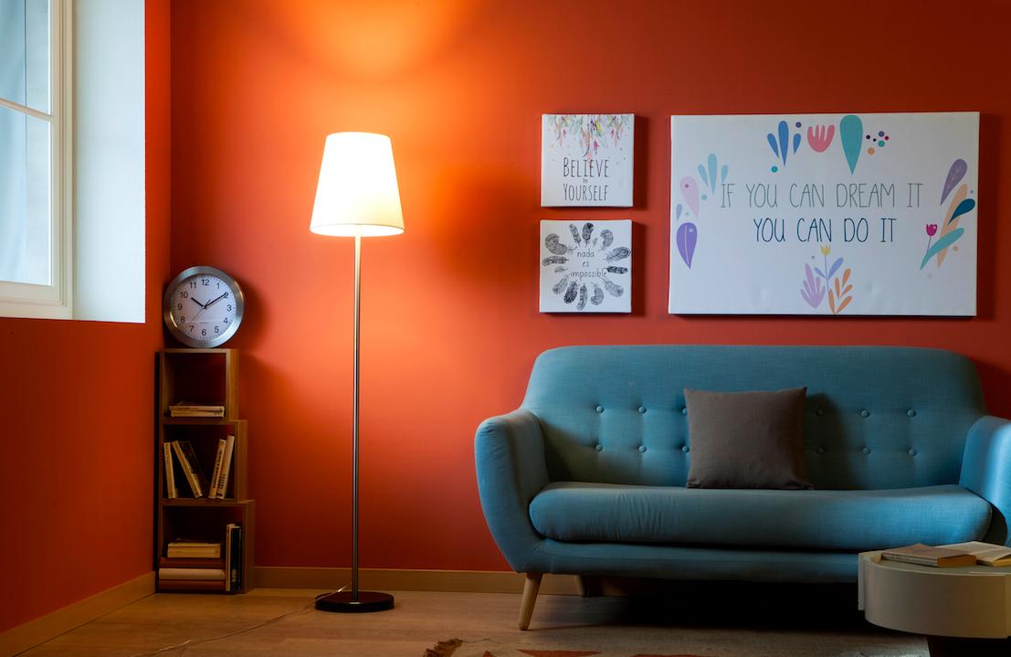 una luz Dotar atractiva de fácil a una estancia es ambiental ARj4q53L