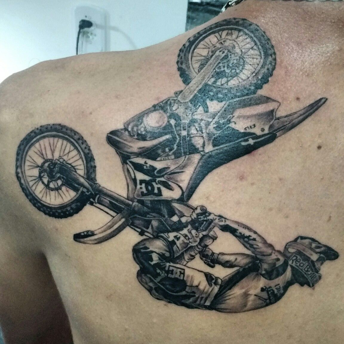 tattoo realista motocross arte real pinterest motocross y tatuajes. Black Bedroom Furniture Sets. Home Design Ideas