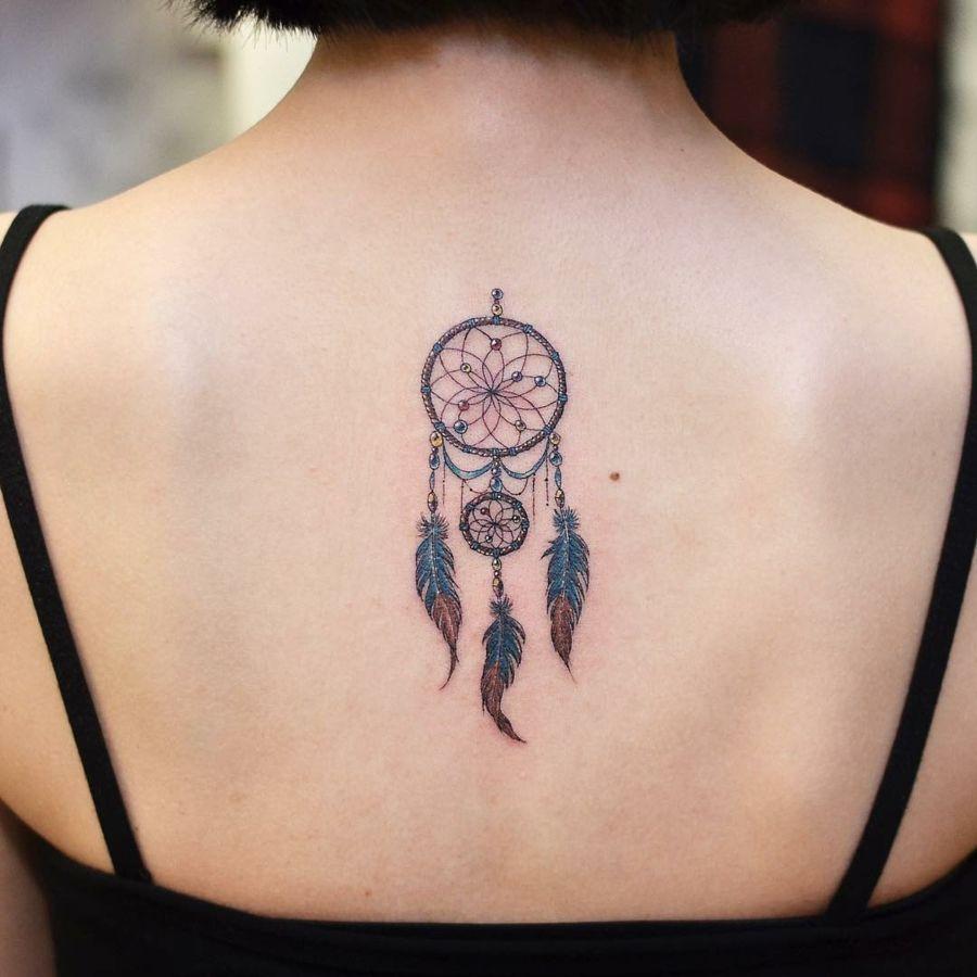 tatouage attrape r ve 100 designs myst rieux et leurs significations tatouage tatouage. Black Bedroom Furniture Sets. Home Design Ideas
