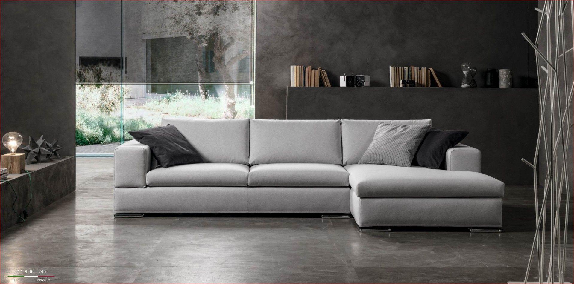 ISOTTA 2 di ''Excò Sofa'' divano con braccioli