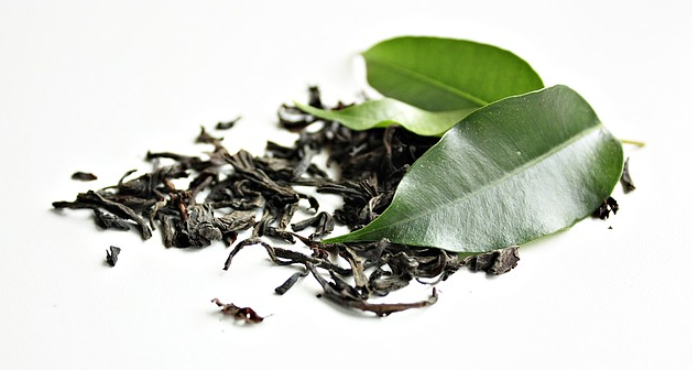 How Does Green Tea Burn Fat? #WeightLoss #GreenTea Green Tea is remarkable in that it not only provides fat burning properties due to its caffeine content, but possesses its own ability to super charge metabolism that is unique to it alone. Here's how to burn the fat with green tea...