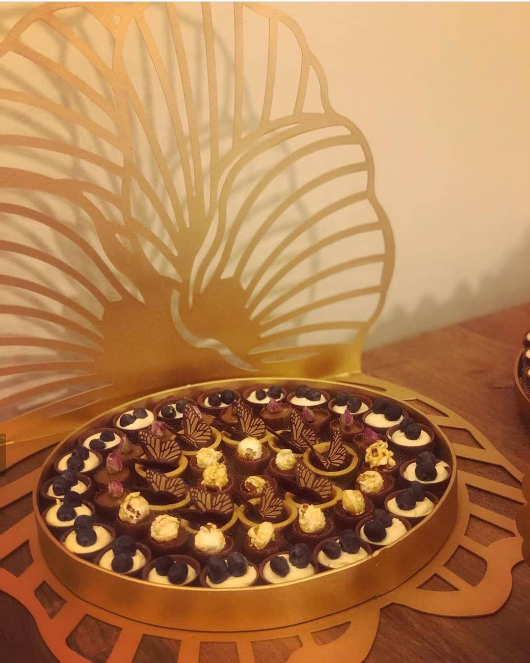 صواني تقديم حلا ليزر عرض خاص Tuhaf 2030 للطلب والاستفسارات دايركت اتصال 0543156764 توزيعات زواج توزيعات مواليد الطائ Celebrities Chocolate Arrangement