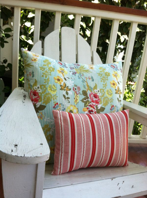 More throw pillow #sewing today - A fun and easy way to spruce up your #homedecor. @Sue Gifford Gemini has a great YouTube tutorial!