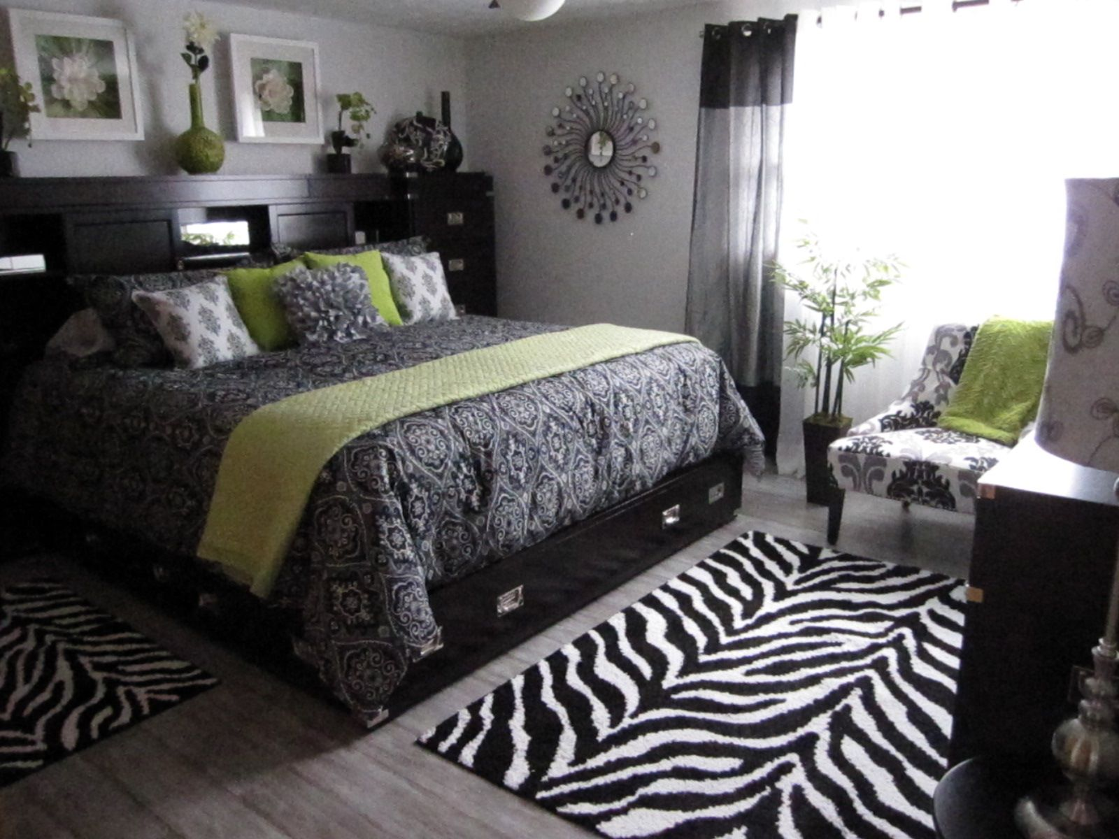 Black White Bedroom Zebra Stripes And Damask W Green Accent