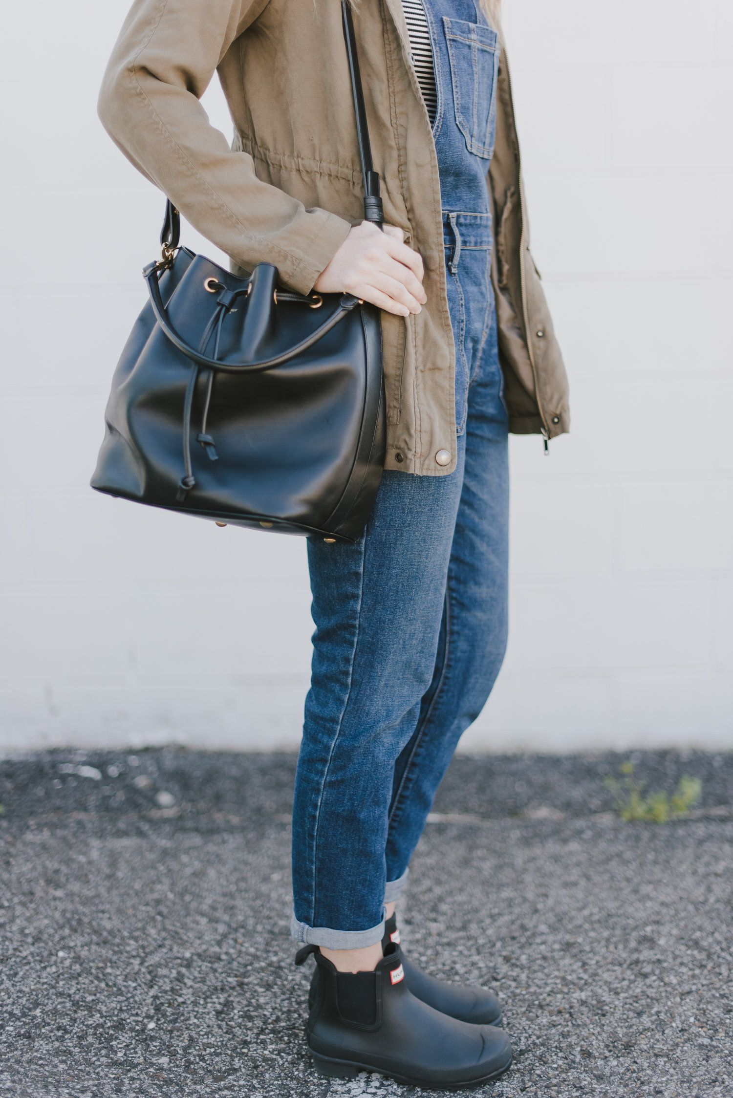 f88f3e4d9a6 Overalls outfit. Hunter Chelsea boots. Bucket back. Ysl. Green parka ...