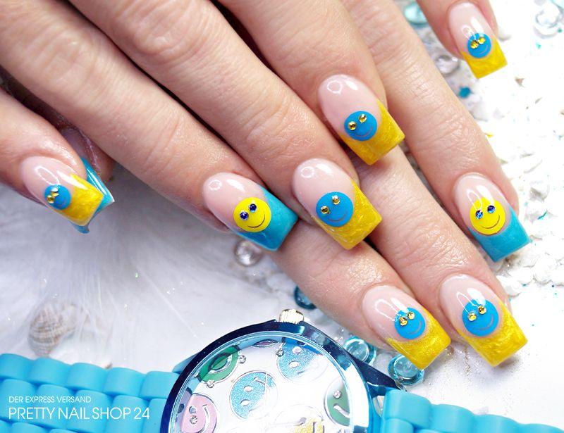 kreative Ideen für Nailart die Logos von sozialen Netzwerken