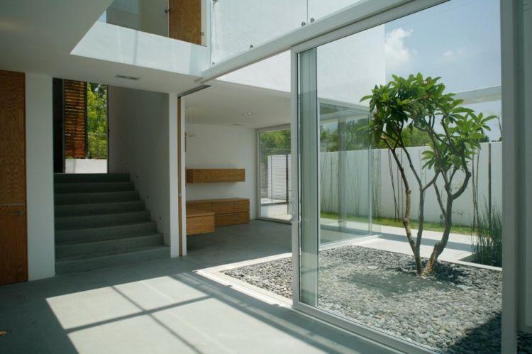 Moderne Gartengestaltung Steinen Haus Design Minimalistisch Weiss  Baum Kieselsteine