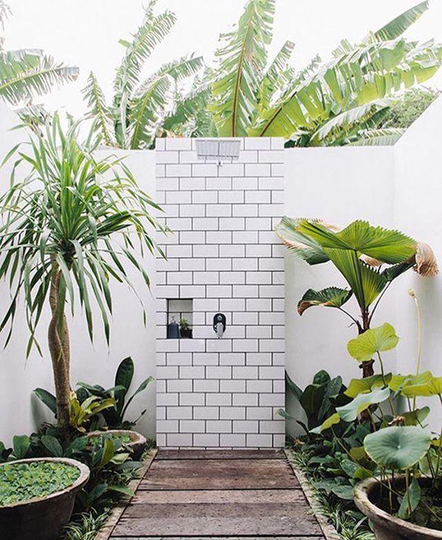Garten Pool, Naturfarben, Außenduschen, Outdoor Badezimmer, Traumbäder,  Außenräume, Leben Im Freien, Wohnräume, Hinterhof