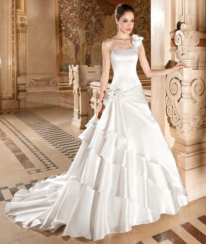 Stylish One Shoulder Wedding Dresses