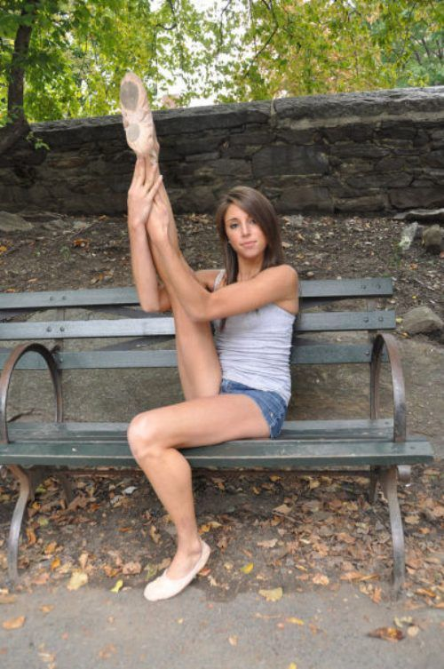 Girlfriend sexy pics splits