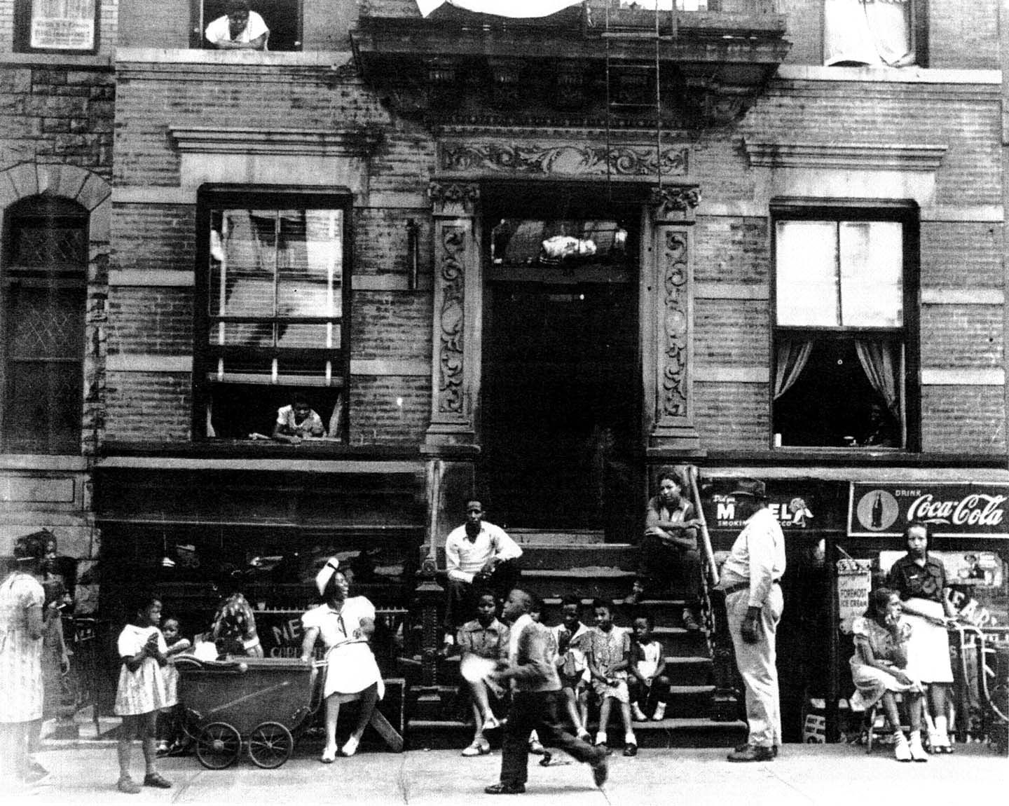 a history of the american ghetto Ghetto definition, a section of a city, especially a thickly populated slum area, inhabited predominantly by members of an ethnic or other minority group, often as a result of social or economic restrictions, pressures, or hardships.