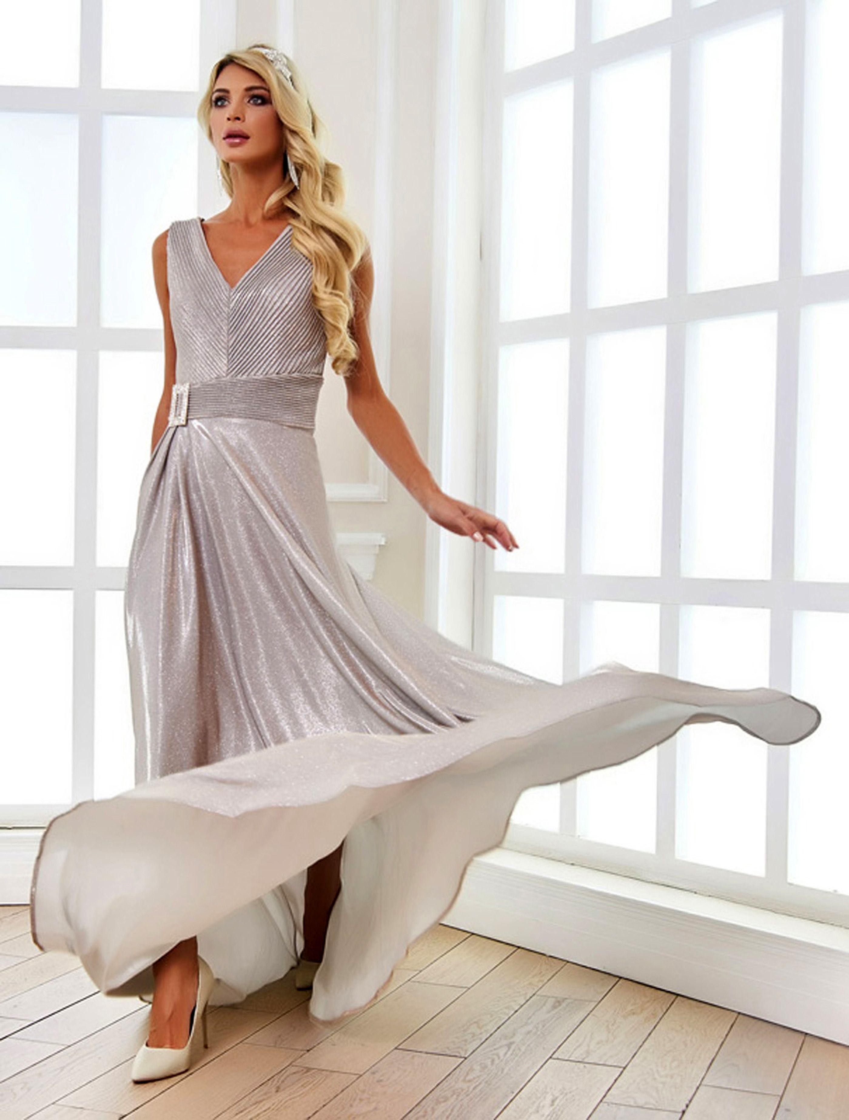 dieses traumhafte abendkleid zaubert einen eleganten
