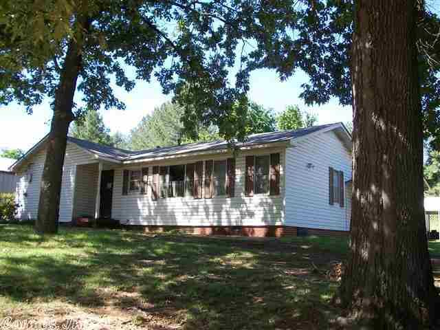 2028 Hwy 16 N 4 Bedroom 2 Bath At Edge Of Searcy Spacious Den Formal Dining And Eat In Kitchen 1 Car Garage 2 Covered C Shade Trees Bath Remodel Real Estate