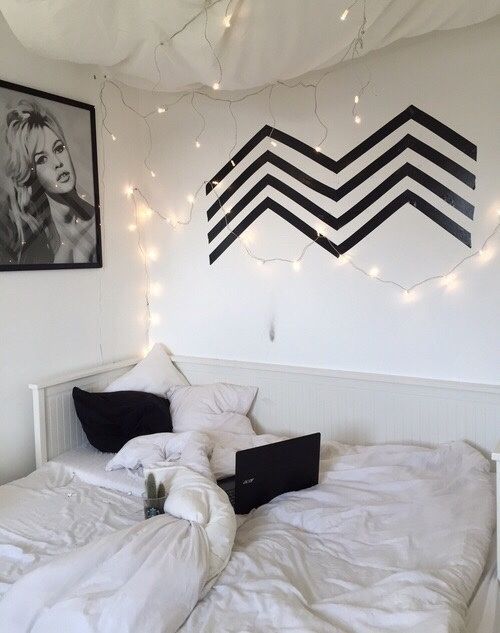 Teen rooms black and white backdrop ideas Pinterest Teen