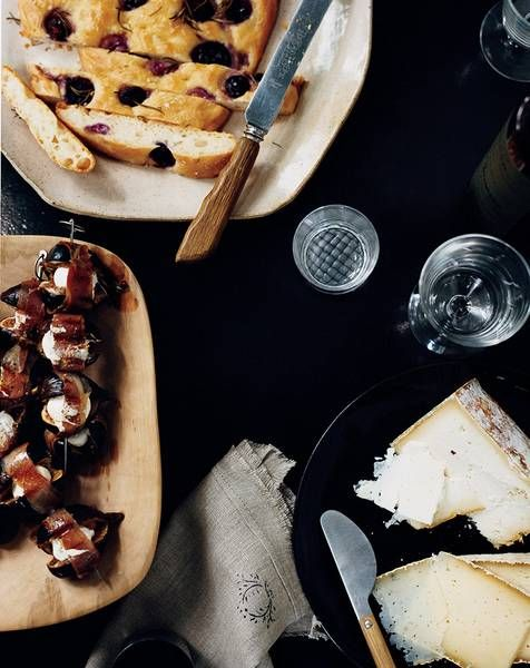 Prosciuttowrapped figs stuffed with mozzarella Recipe