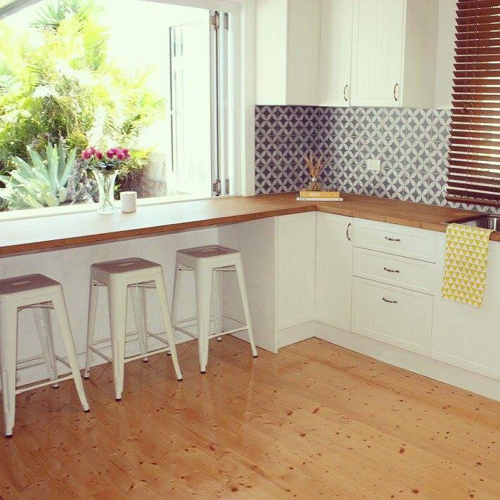 California Bungalow / Cottage Kitchen. Hamilton, NSW