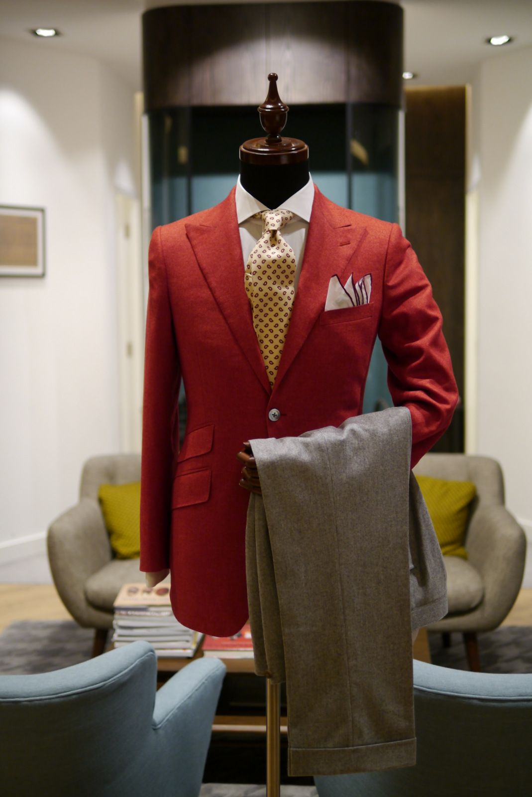 wwchantailor:  Red Ariston Wool Cotton Cashmere Jacket Light grey Holland & Sherry Classic Flannel trousers Drakes tie E.G. Cappelli pocket square