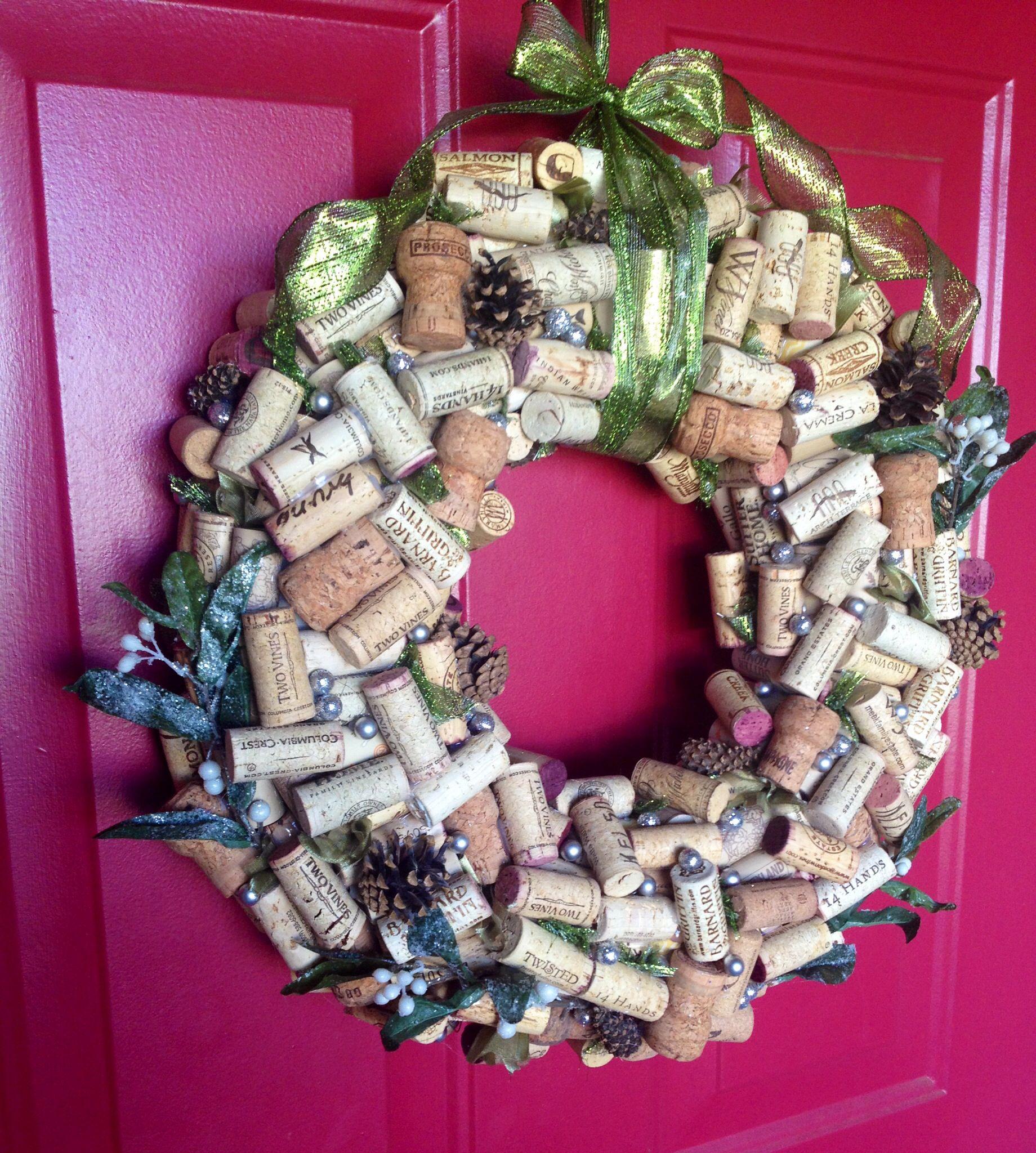 Green Colors Festive Wine Cork Wreath