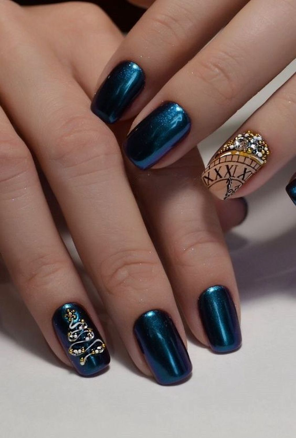 50 Exciting Ideas For New Years Nails To Warm Up Your Holiday Mood New Years Nail Art New Year S Nails New Years Nail Designs