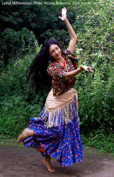 Romani Gypsy dance in photos. Gypsy dance by Nelly ...