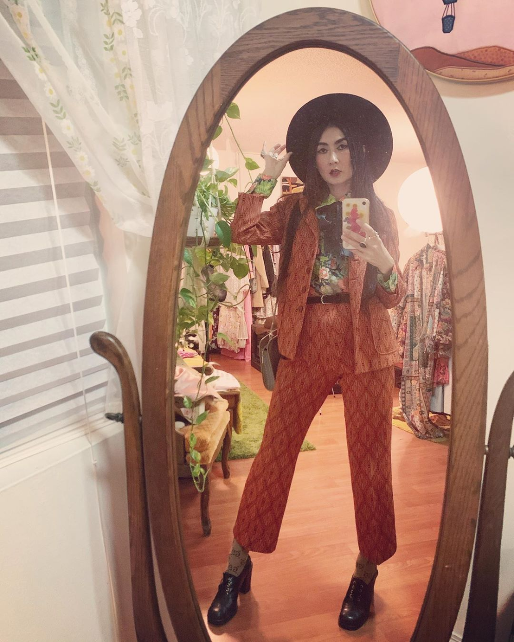 Hangin Out With Rockstars Tonight It S Been A While Ringy S Truevintageootd 60s 70s Guccivibe Pants Suits Pantsuit True Vintage Floral Prints