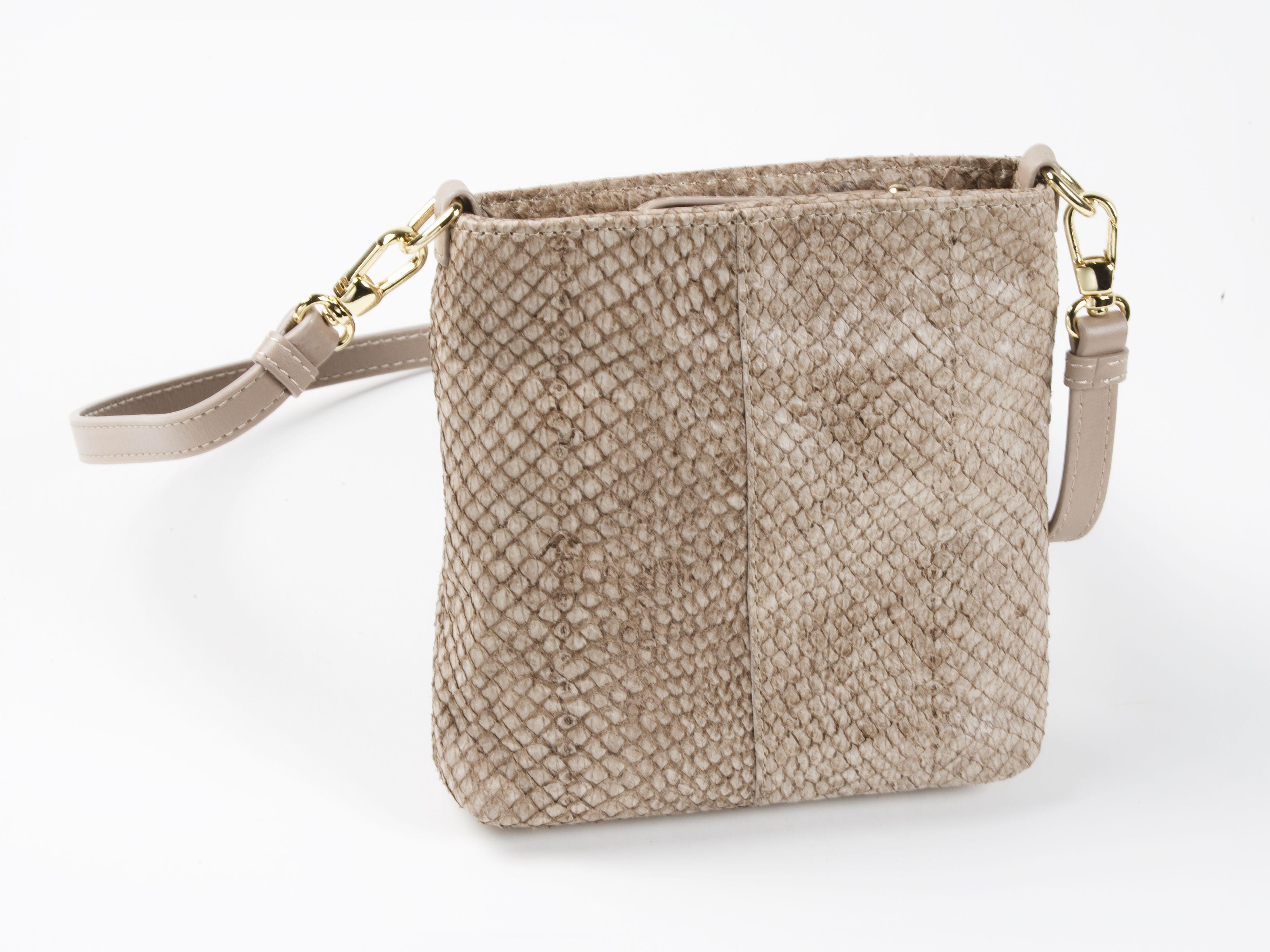 97606d25be8  handbag made of fish leather (salmon)