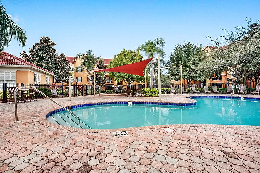 Located In Orlando Florida Alexandria Parc Vue Is Only Minutes Away From All Of The Biggest Attractions Orlando Has Apartments For Rent Fine Hotels Apartment