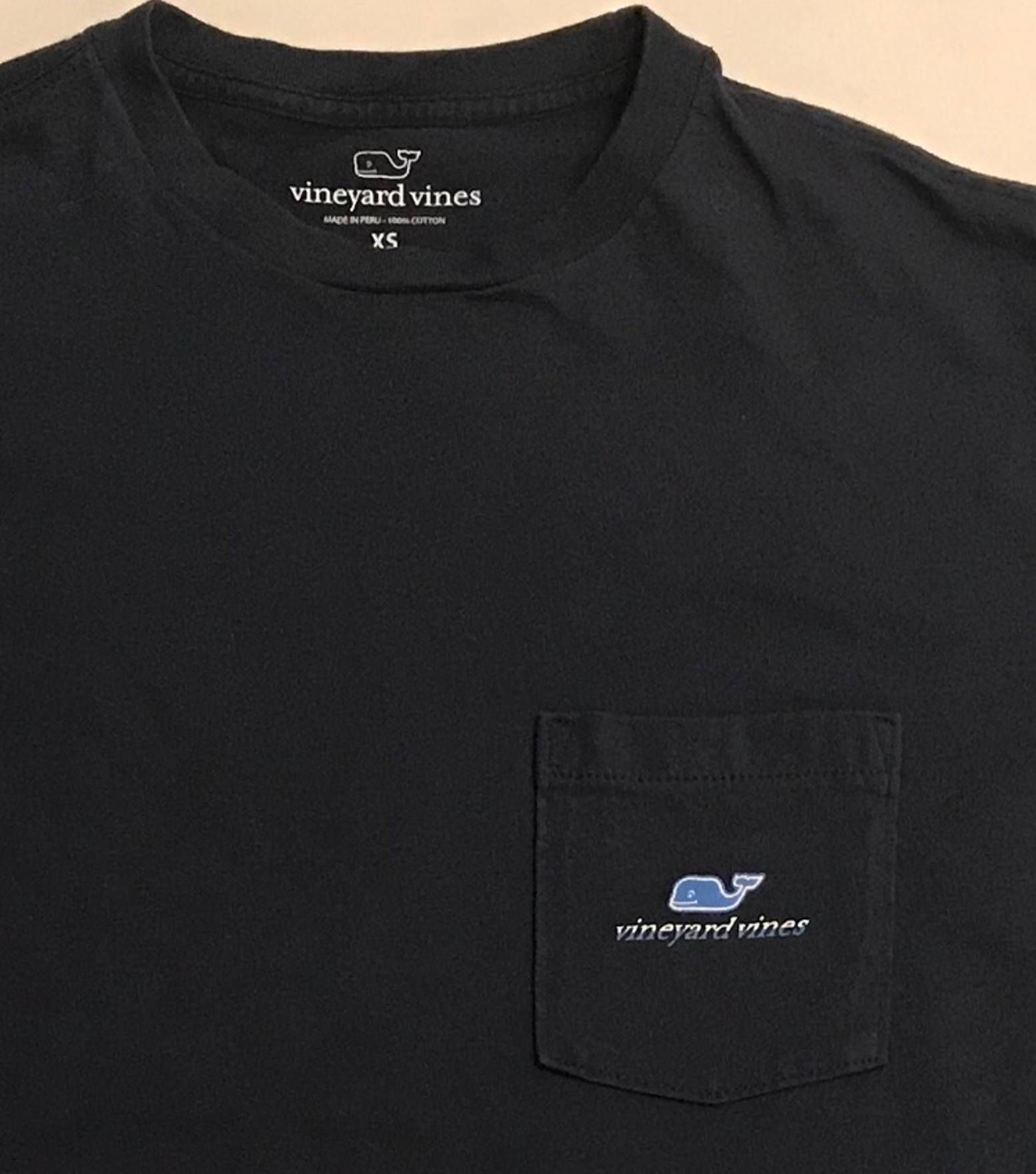418ca11c31e152 Vineyard Vines Vineyard Vines Whale Logo Pocket T-Shirt Rare Football Tee  Size US XS   EU 42   0 - 2