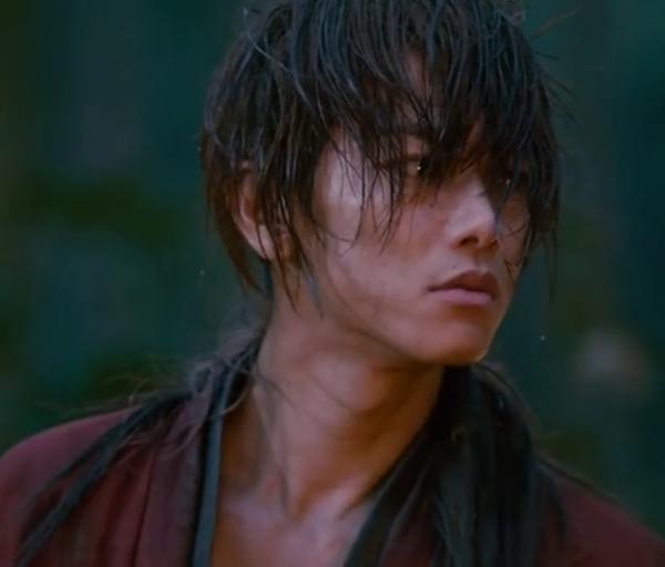 """Sato Takeru playing """"Himura Kenshin .. Ruroni Kenshin ..."""