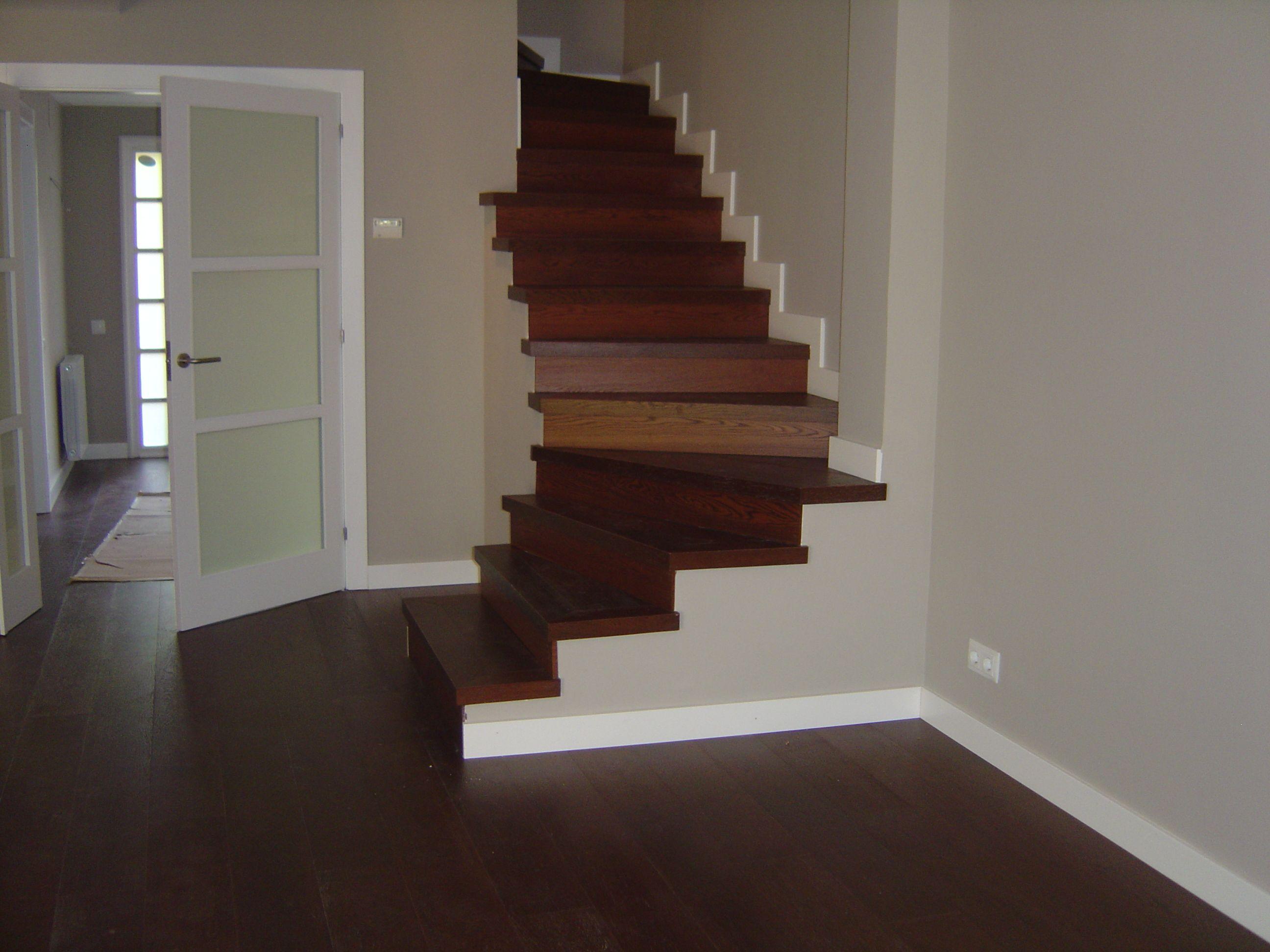 Revestimiento de escalera parquet multicapa revestimiento de escaleras pinterest - Revestimiento para escaleras ...