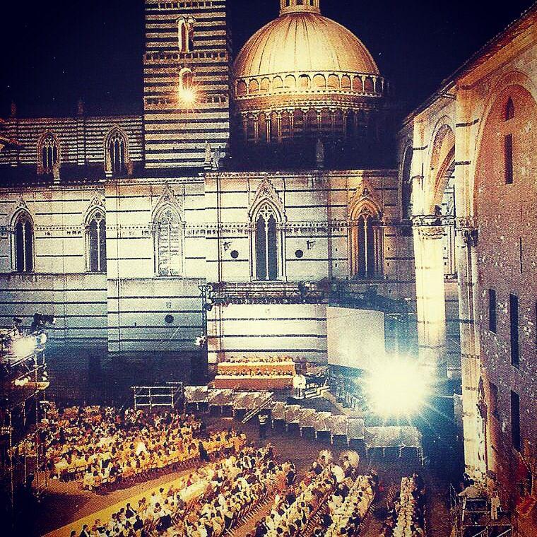 Aquila Contrada - Piazza Duomo @paliotours
