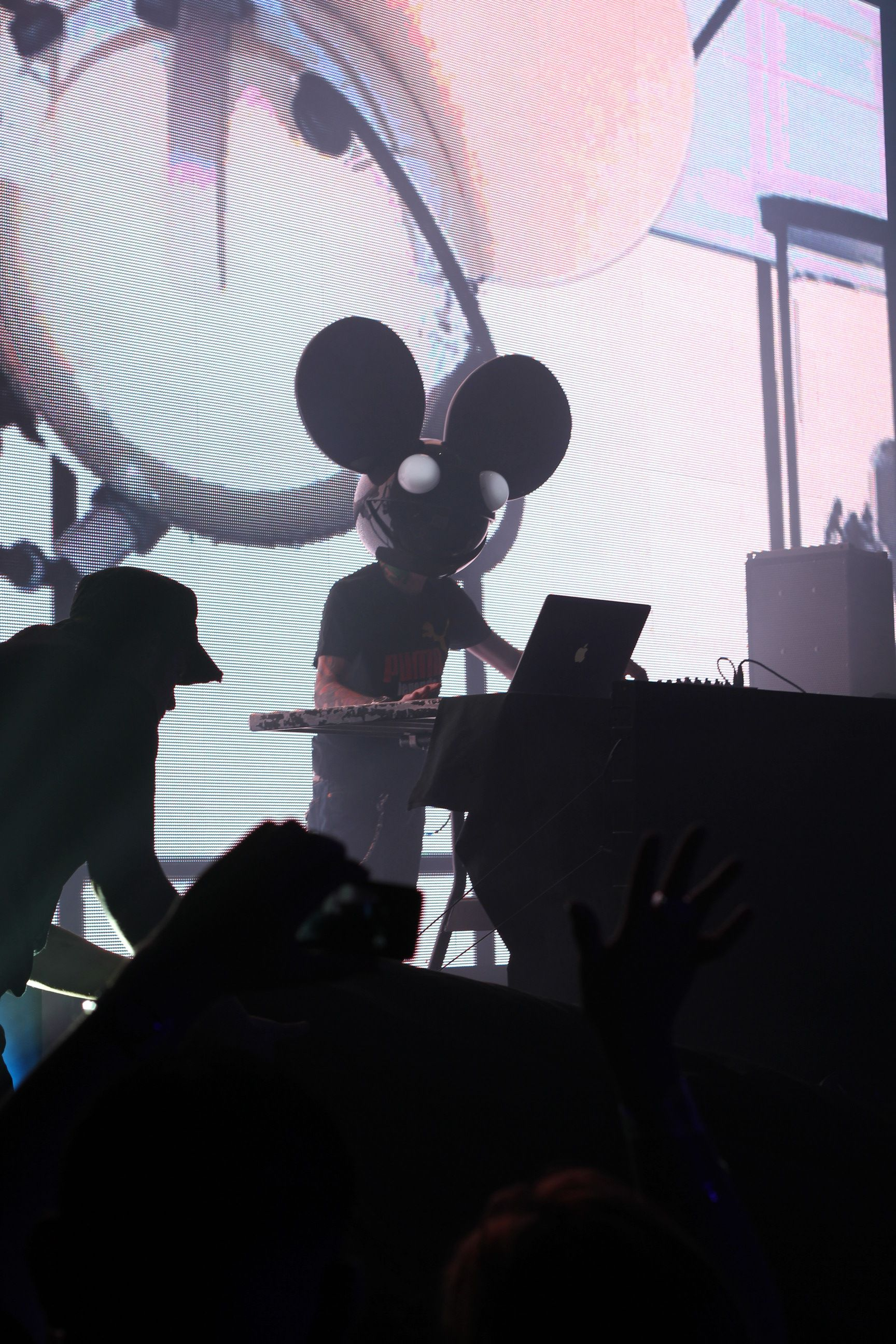 Deadmau5 At House Of Blues Sunset Strip Take 2 Music Live Hobsunset Deadmau5 Blue Sunset Fun To Be One Music Is Life