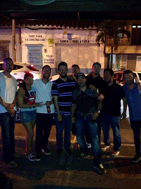 Con algunos de los que empezaron todo esto... La familia que hice en la calle!