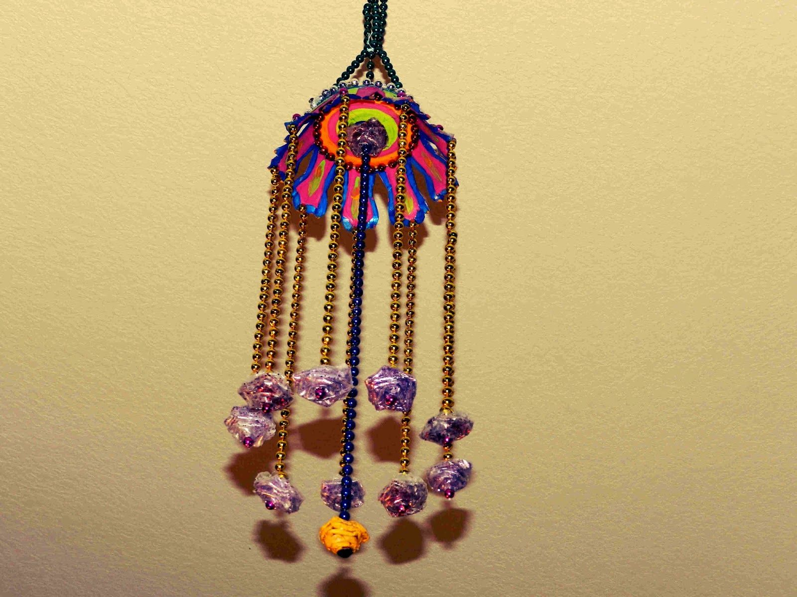 Creative DIY crafts: Hanging wall craft with bead chain, paper cup ...