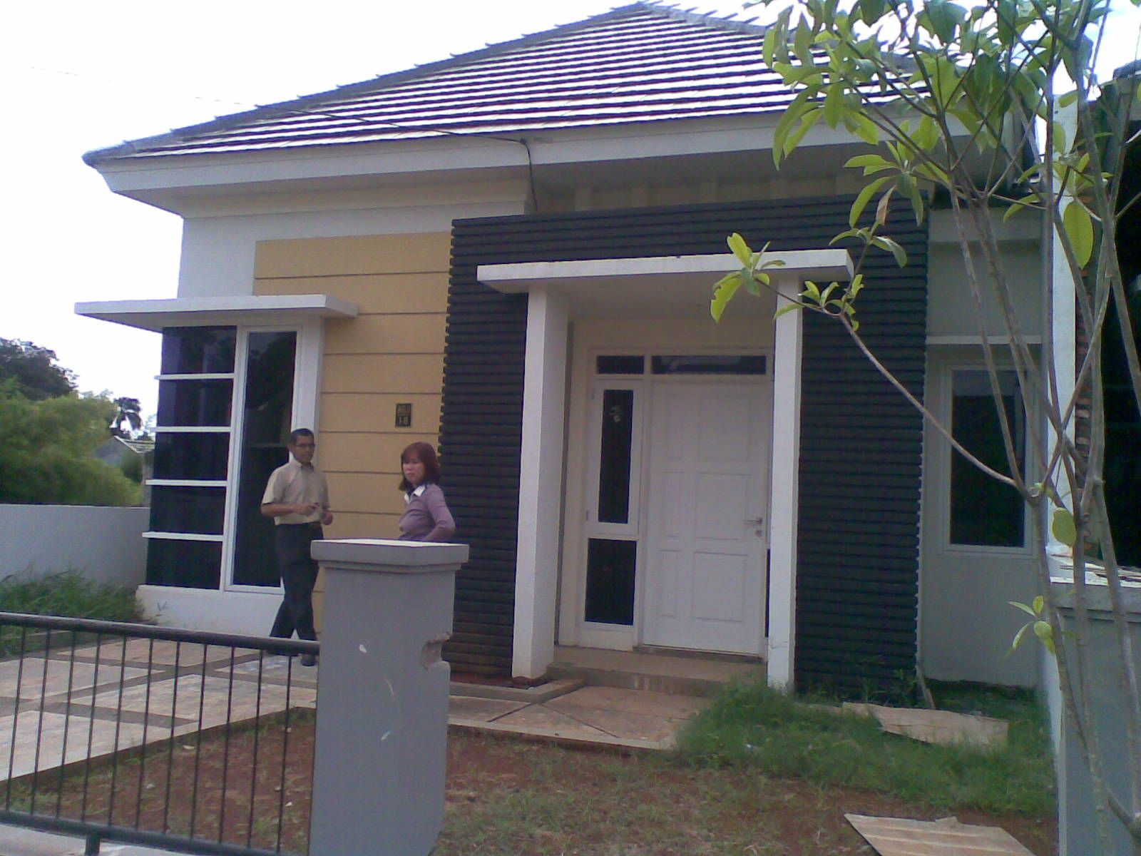 60 Gambar Rumah Minimalis 1 Lantai Tampak Depan Dan Warna Cat Pilihan Desainrumahnya Com House Design One Storey House Cool House Designs