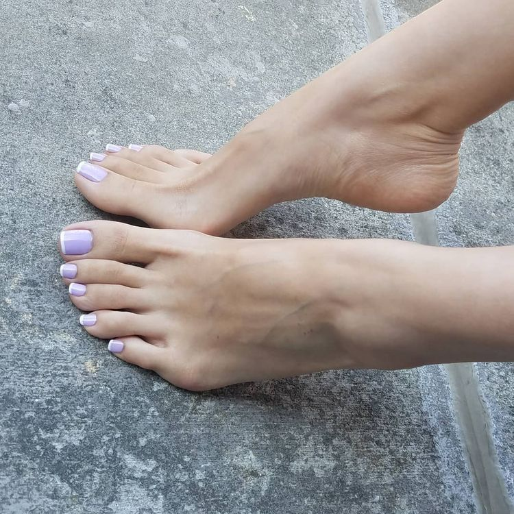 Pin on feettoes