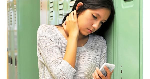3 Kinds of Apps That Stir Up Drama in Schools | Common Sense Media